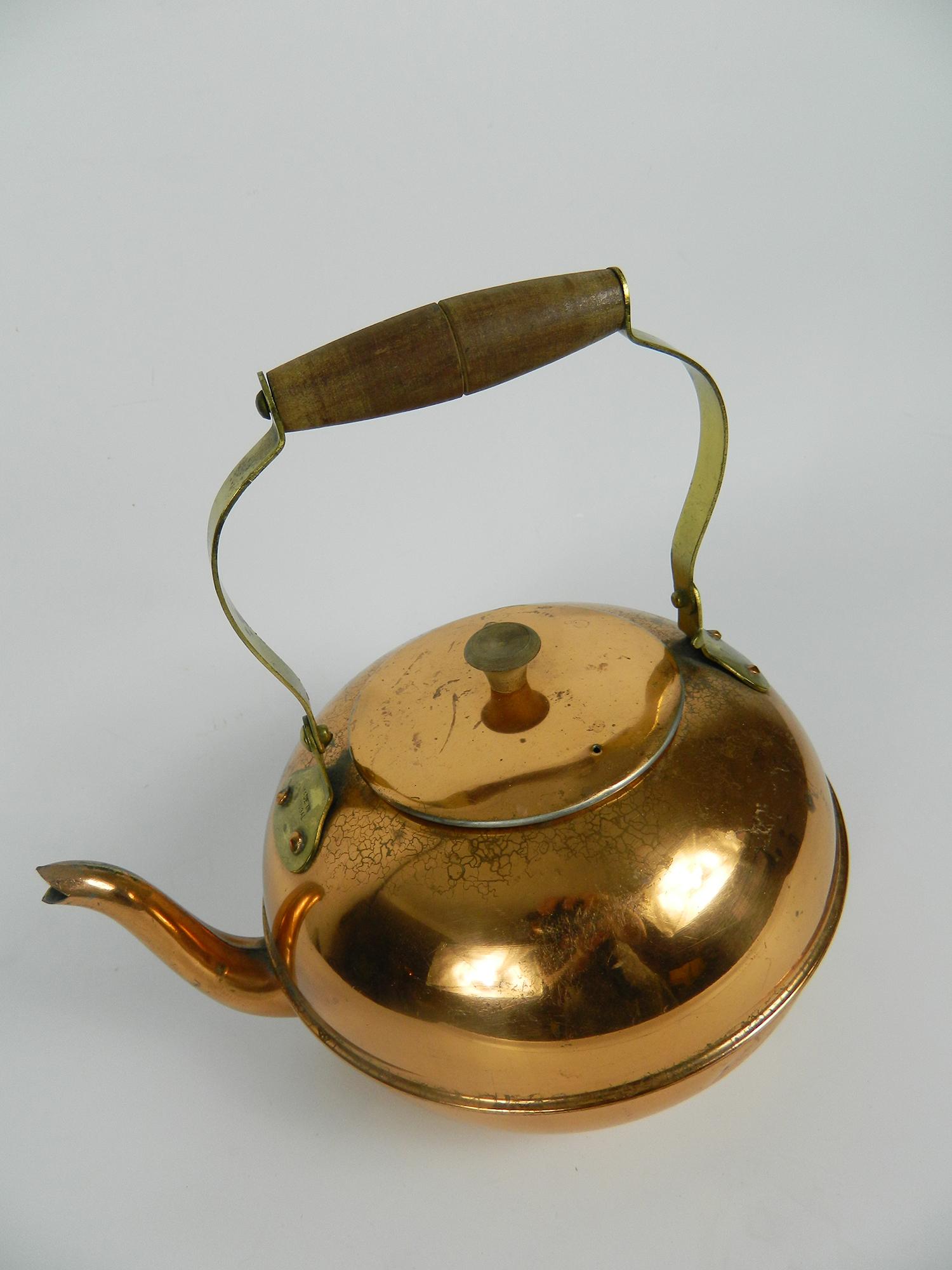 Th i re cuivre poign e de bois les boules mites for Objets decoratifs cuisine