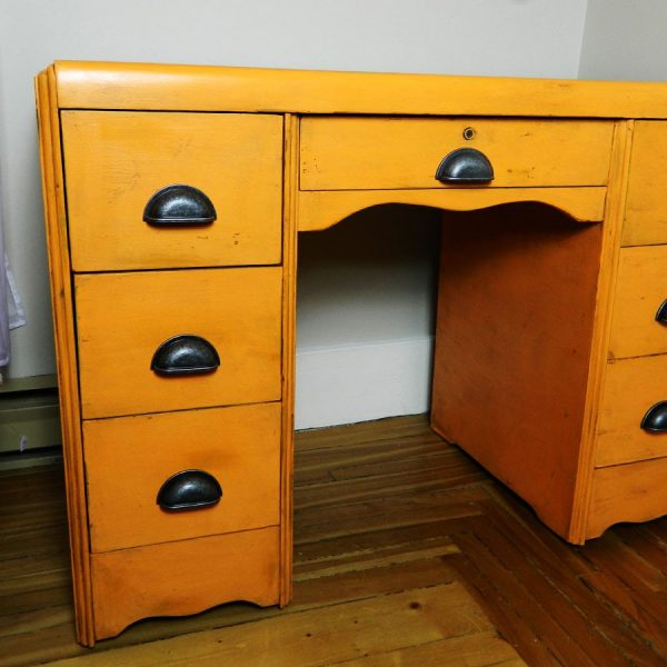 bureau-orange